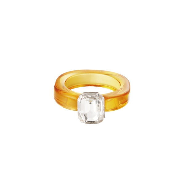 Plastic transparant ring with stone