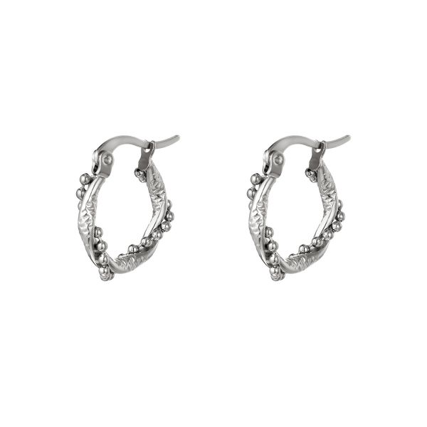 Hoop earrings with twisted pearls small