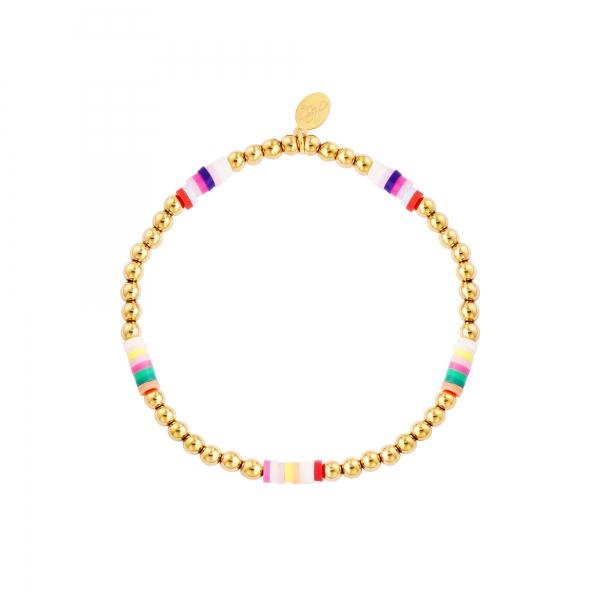 Armband gekleurde plakjes en gouden kralen