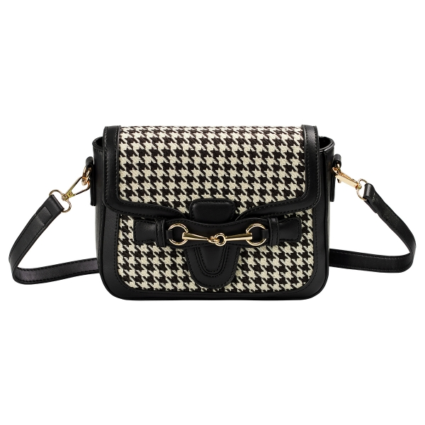 Polyester bag with checkered details