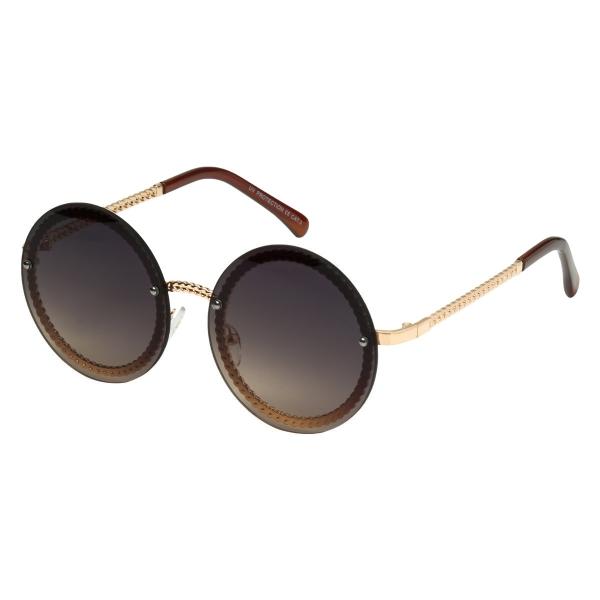 Des lunettes de soleil retro vibes