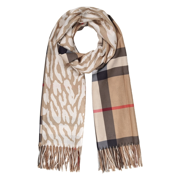 Scarf burberry look