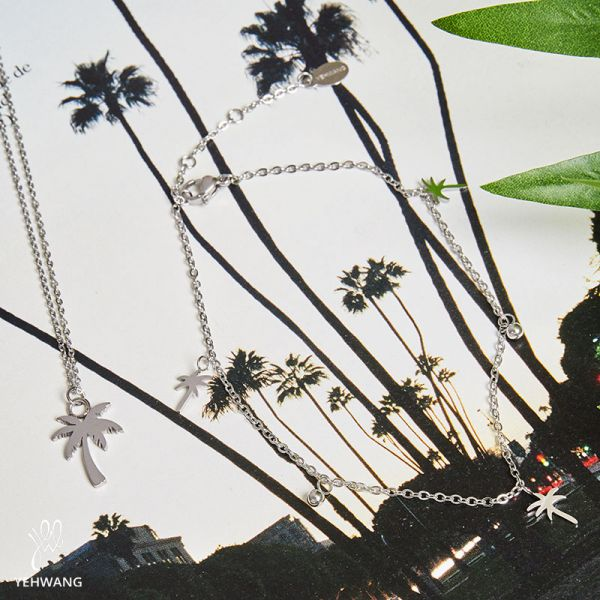 Anklet palm tree