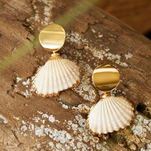 Earrings shiny shell