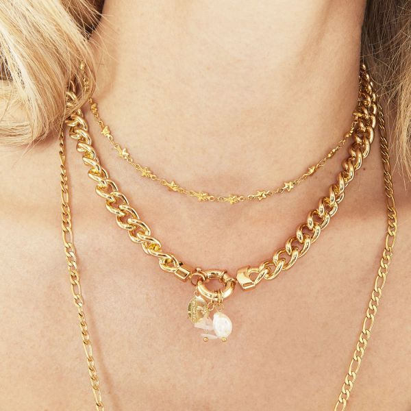 Collar chained star
