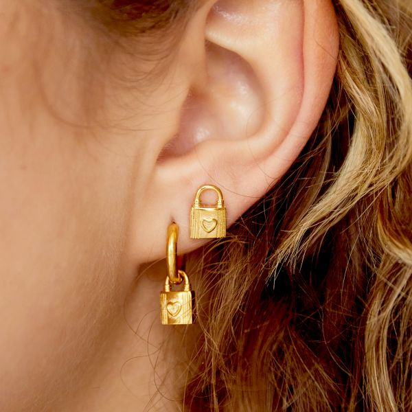Lock-shaped ear stud