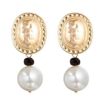 Earrings Pearl Shield