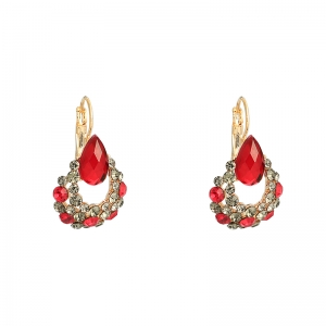 Earrings dazzle