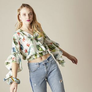 Crop top tropical paradise