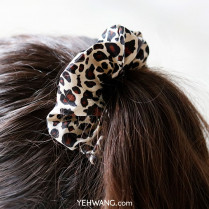 Hairtie Happy Leopard