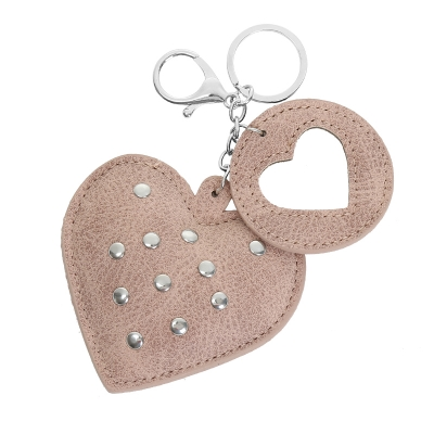 Tassenhanger Hearts with studs