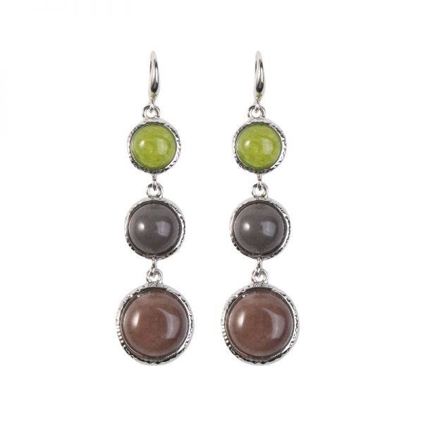 Earrings eyecatching stones