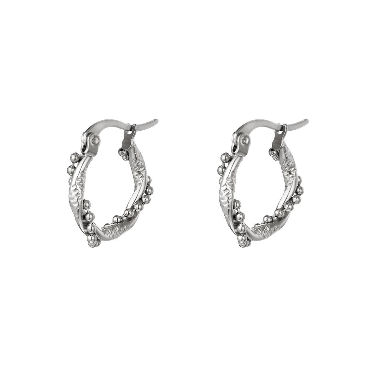 Pendientes de aro con perlas retorcidas pequeñas