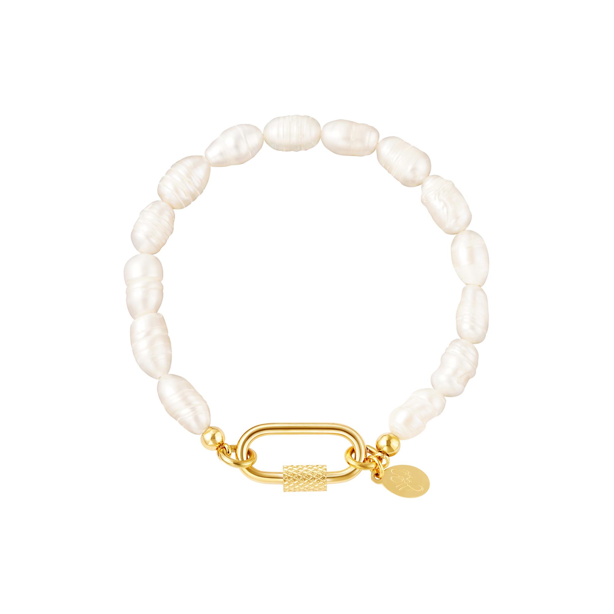 Pulsera de perlas con cierre ovalado